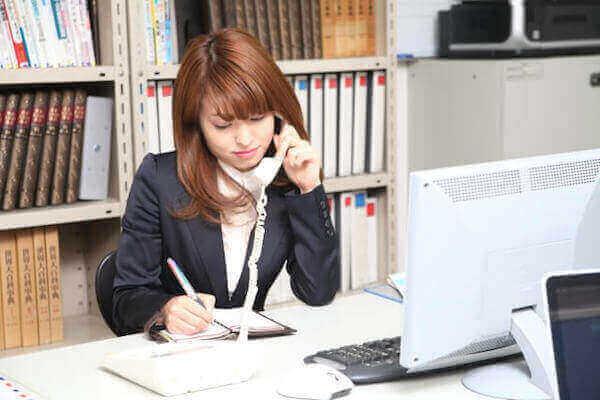 「お電話差し上げます」は敬語として間違い?目上の人に使う場合は?