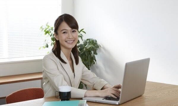 「執務・業務・事務・勤務」の違いは?意味や使い方を解説!