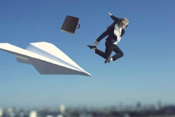 「早速」の意味とビジネスでの使い方!「早々」「迅速」との違いは?