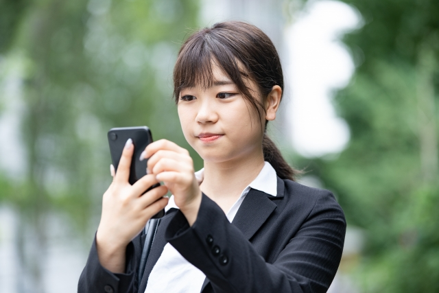Web(Skype)面接で落ちる原因は油断?服装や注意点を解説します!