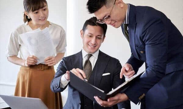 「ちなみに」は敬語?ビジネスでは失礼になる?意味や言い換え表現を解説!