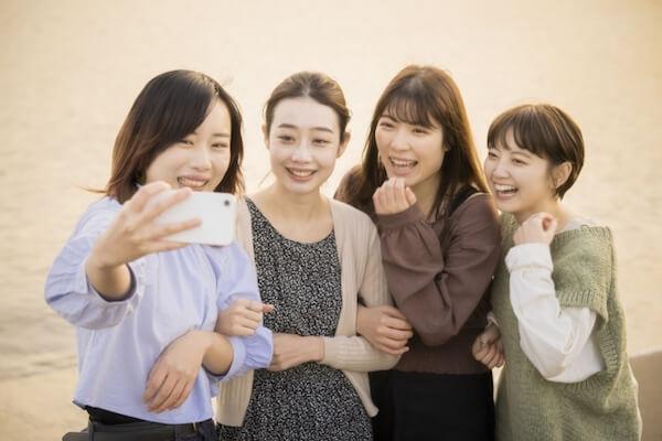 4人組の女友達(知己)
